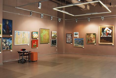 Expozitia Pictori băimăreni în colecţiile Muzeului Judeţean de Artă «Centrul Artistic Baia Mare»i